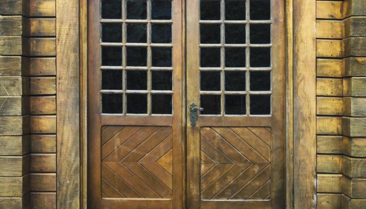 Новые двери по образцу старинных