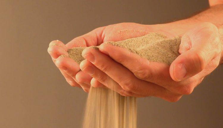 Сухой песок для строительсва и ремонта
